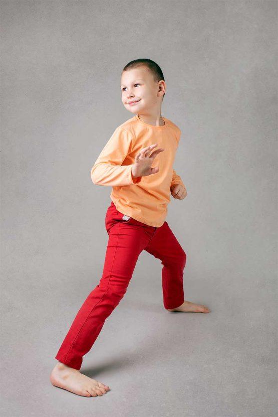 Chłopięca łososiowa koszulka z długim rękawem